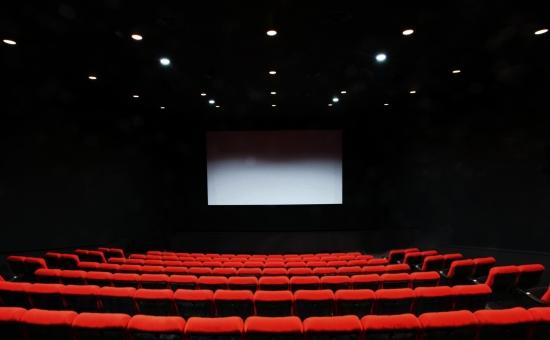 a60d9008d1d251903ba559c097419547 t - 映画館デビューは何歳から?意外と知らない映画館の話