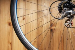 2e26e61f269073658d30b3cb7b621079 t 300x199 - 電動アシスト自転車って必要?筆者がおススメする選び方の3つのポイント