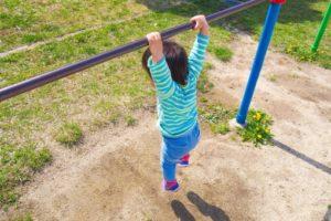 694a1c5687e6a5b31df43315c3b6d4f3 t 300x200 - 運動神経は6歳までで決まる?親からの遺伝は?一緒に遊んで大人も健康になろう!